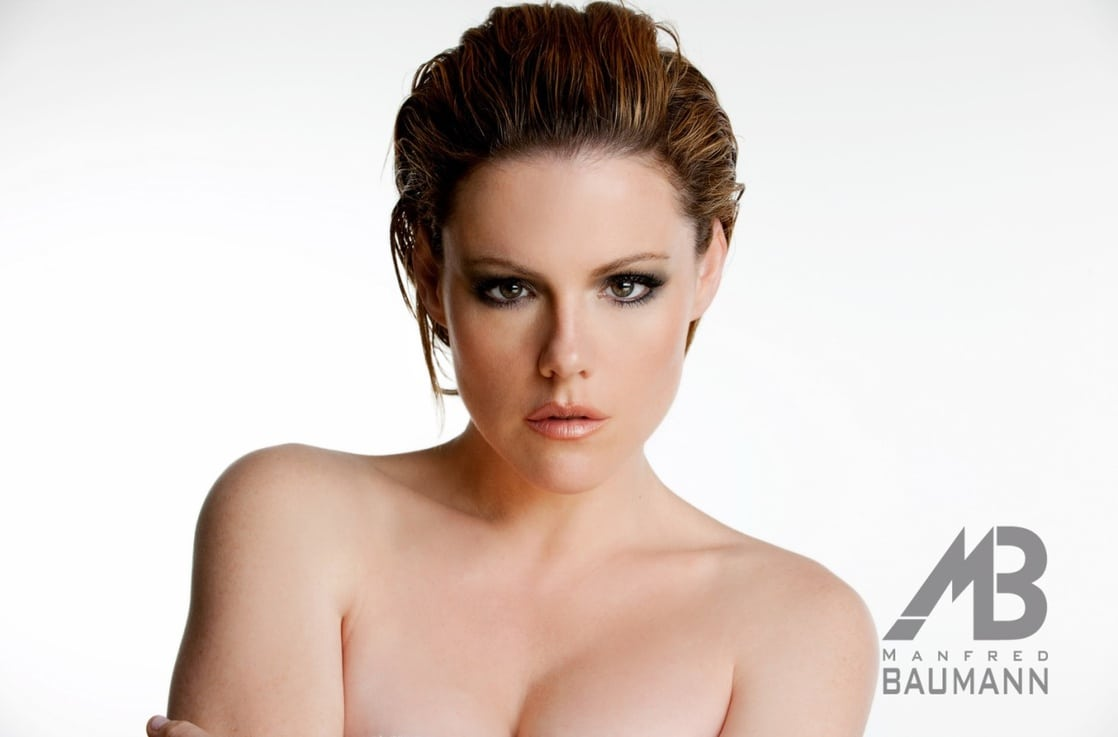 Picture Of Kathleen Robertson