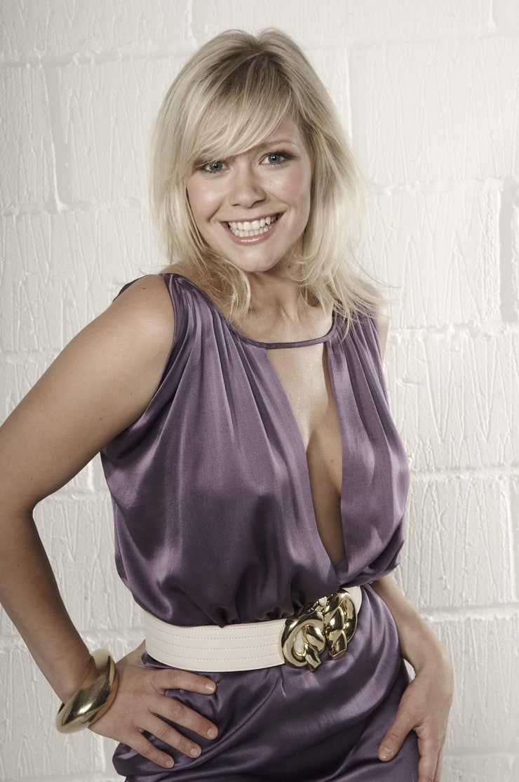 Picture Of Suzanne Shaw
