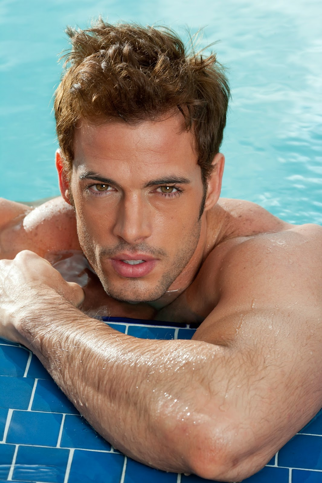promo code aaa27 7fe32 Fotos william levy en traje de bao