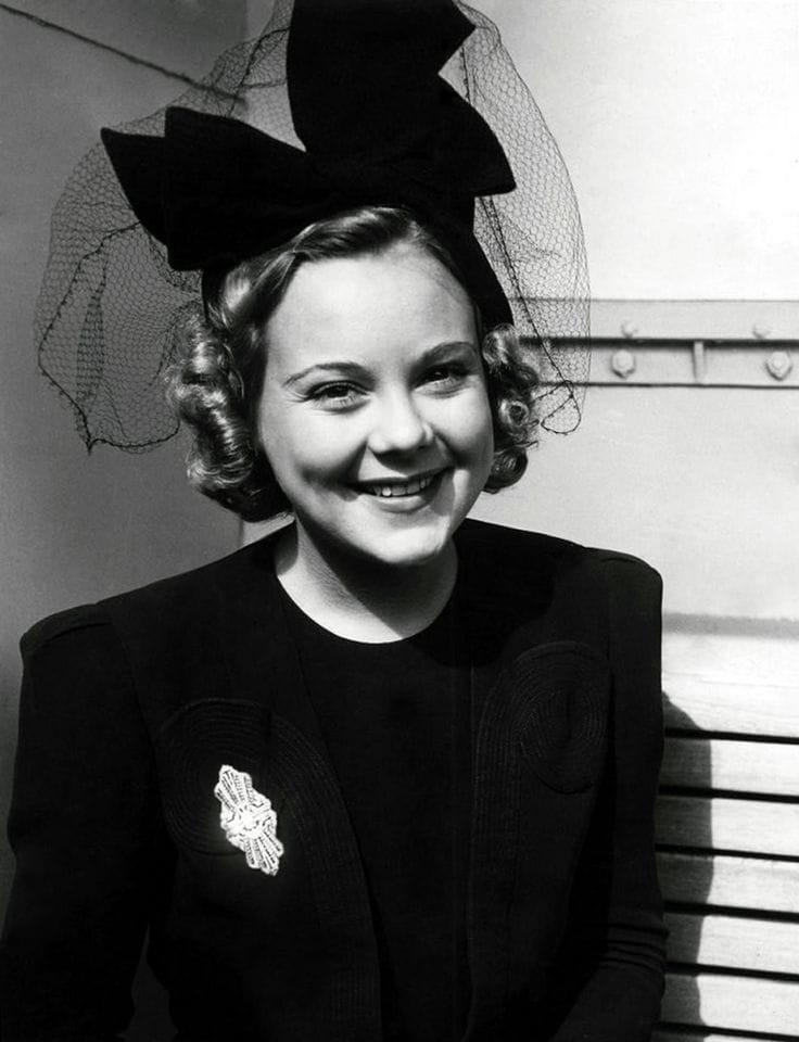 Picture of Sonja Henie - 61.2KB