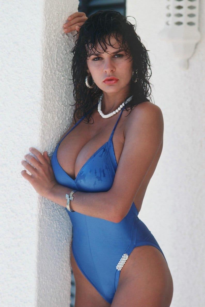 lisa thornhill topless pics