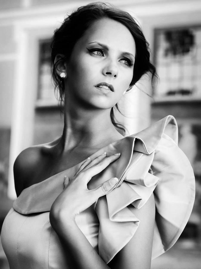 Ann Mahoney Nude Photos