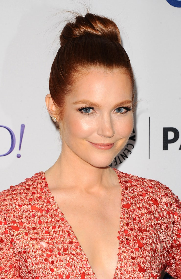 Darby Stanchfield Nude Photos 7