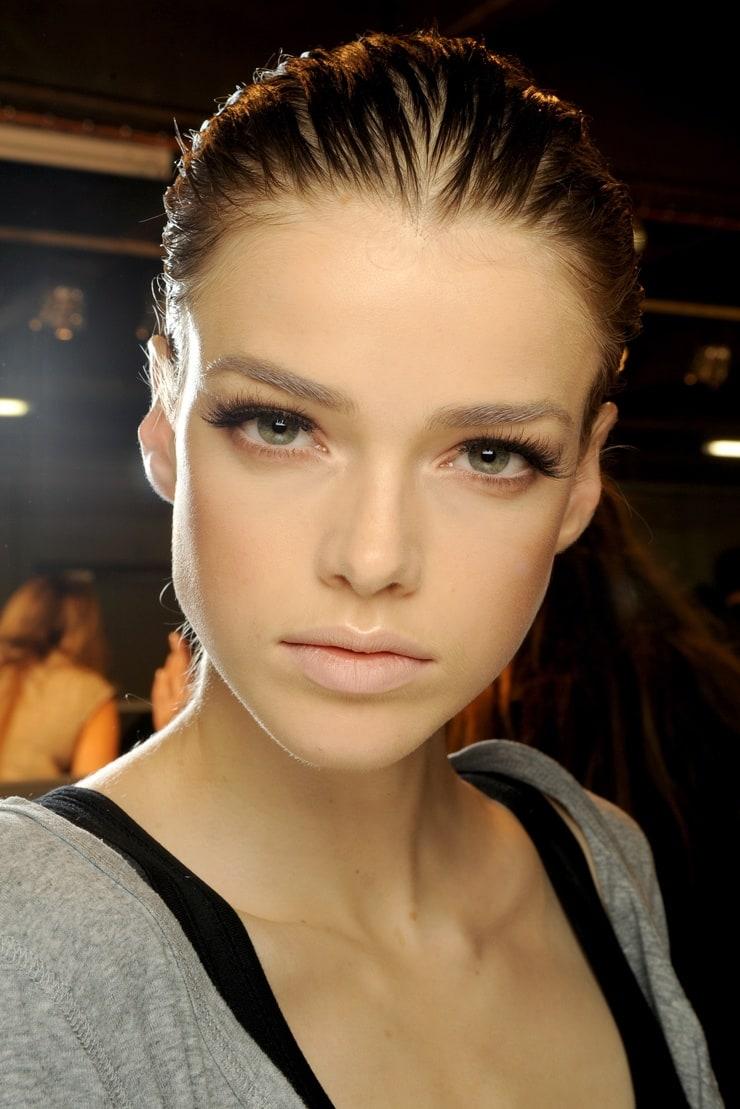 Если у девушки лицо удлиненное макияж
