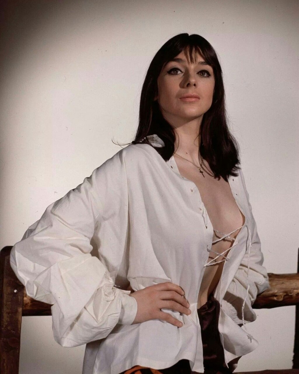 60s Design Picture Of Jacqueline Pearce