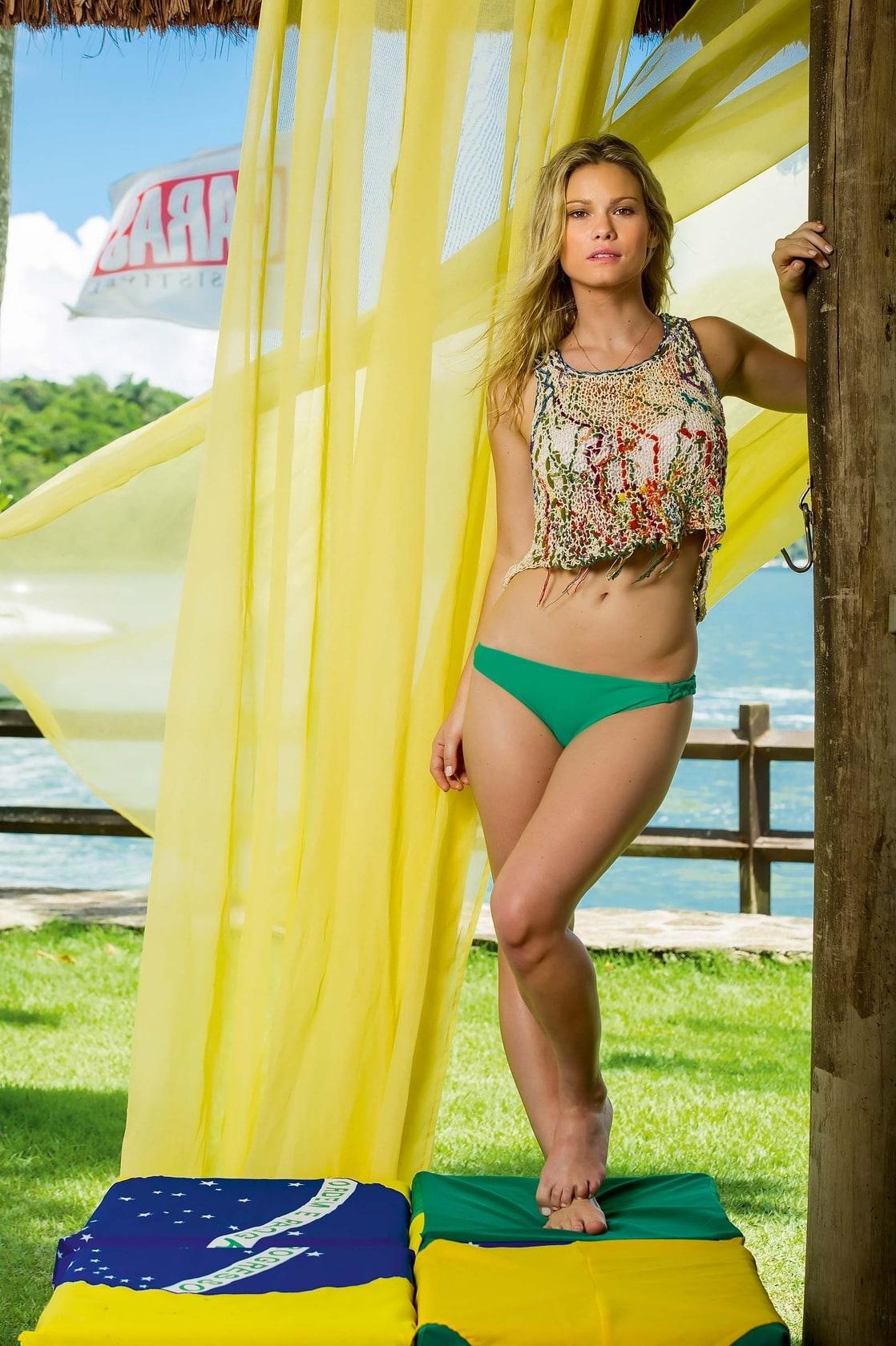 Karen Junqueira Nude Photos 22