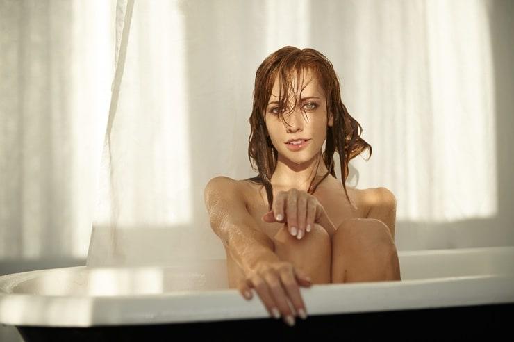 Tara Yelland Nude Photos 79