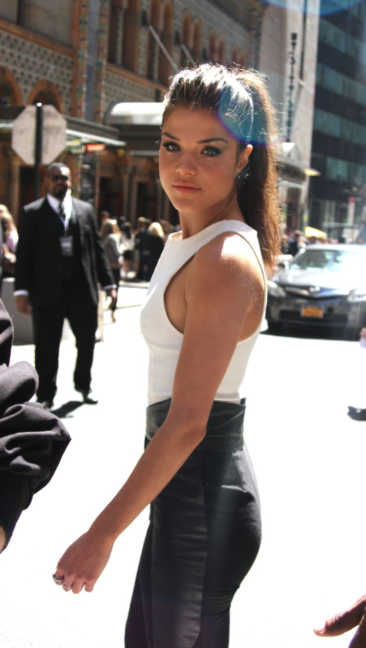 Marie avgeropoulos ass