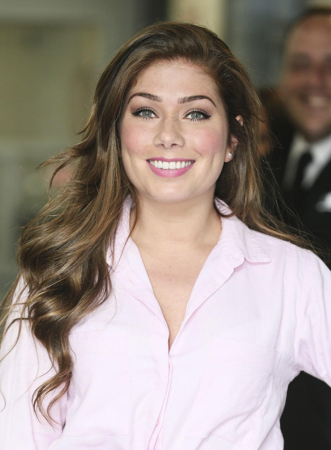 Nikki Sanderson Net Worth