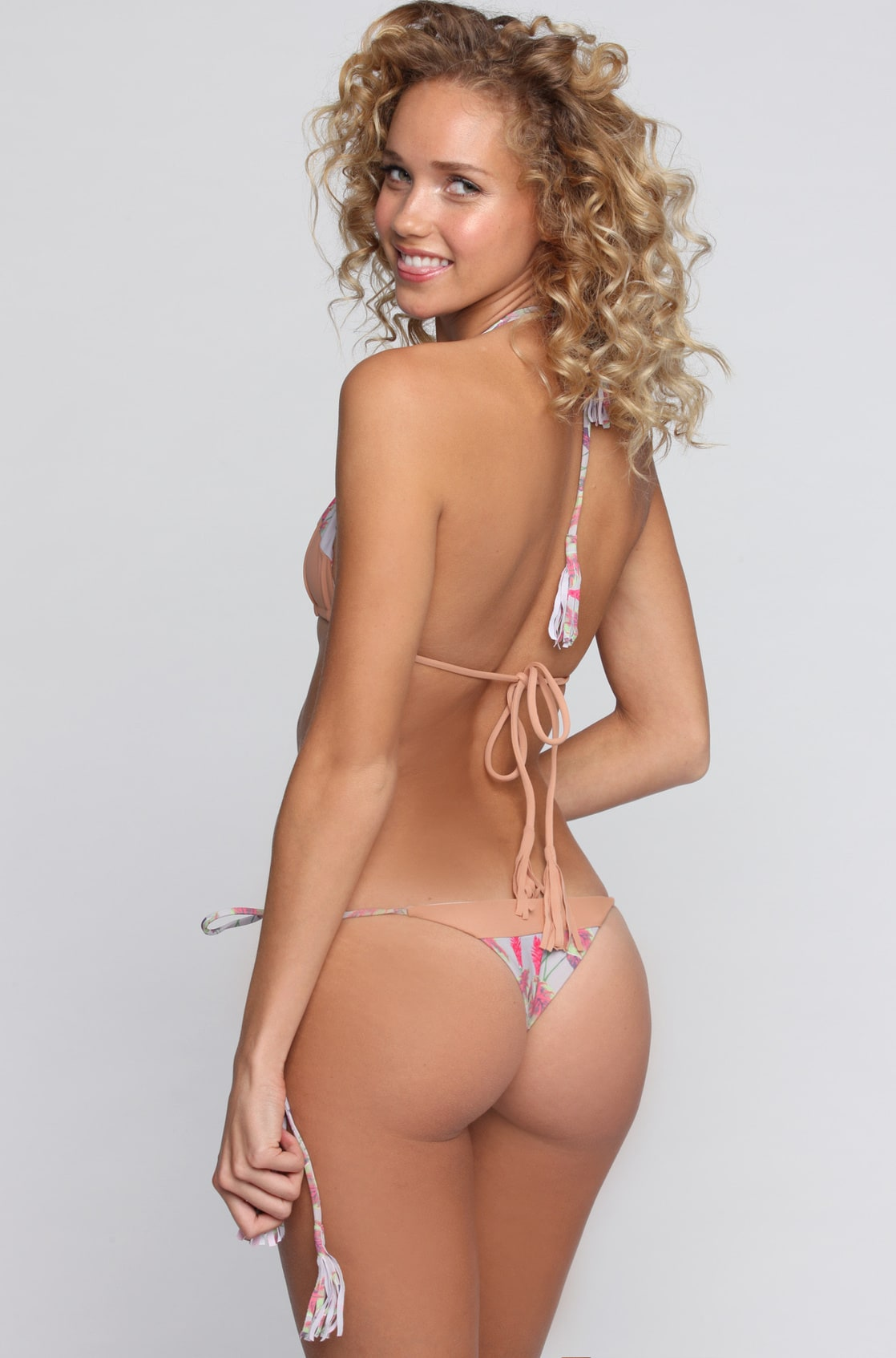 Allie Nude 10