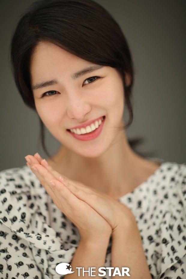 Ji-Yeon Lim Nude Photos 11