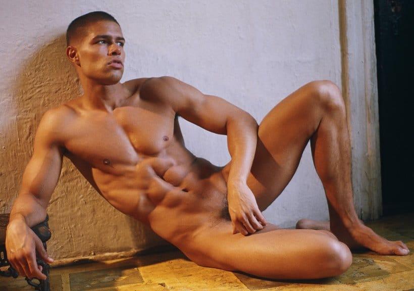 парни голые модели фото