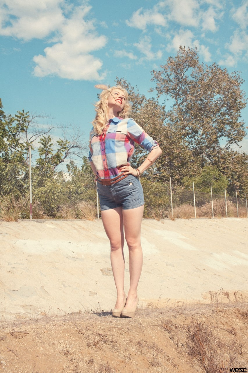 Beth Riesgraf Bikini picture of beth riesgraf