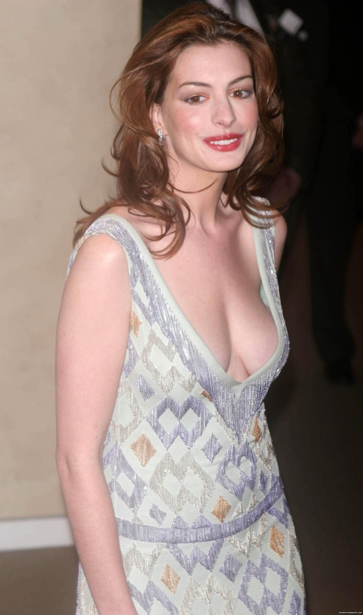 Picture Of Anne Hathaway-8637