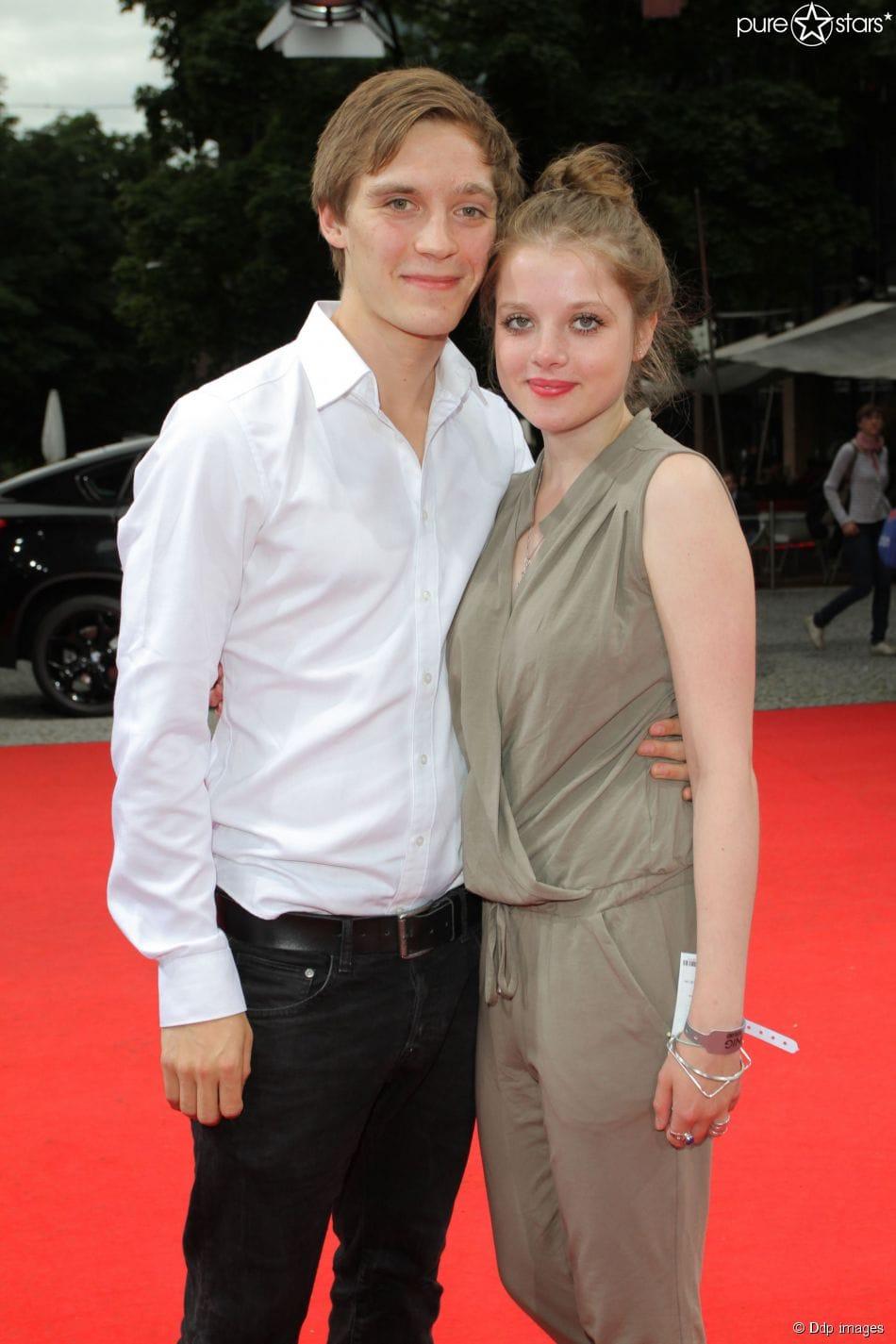 Jonas Nay Freundin