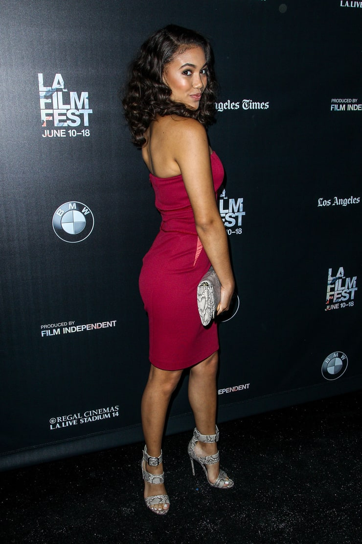 Picture of Paige Hurd - 108.4KB