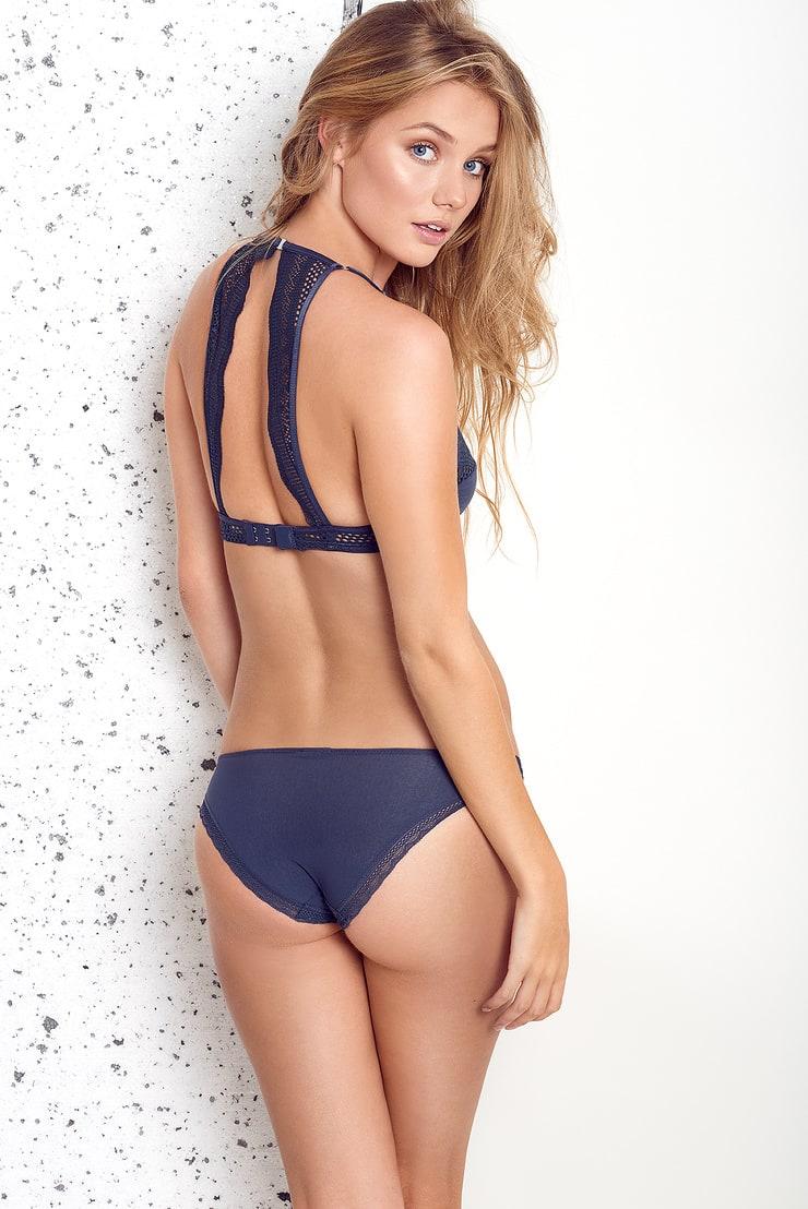 Picture of jessica right, g string bikini chicks pics
