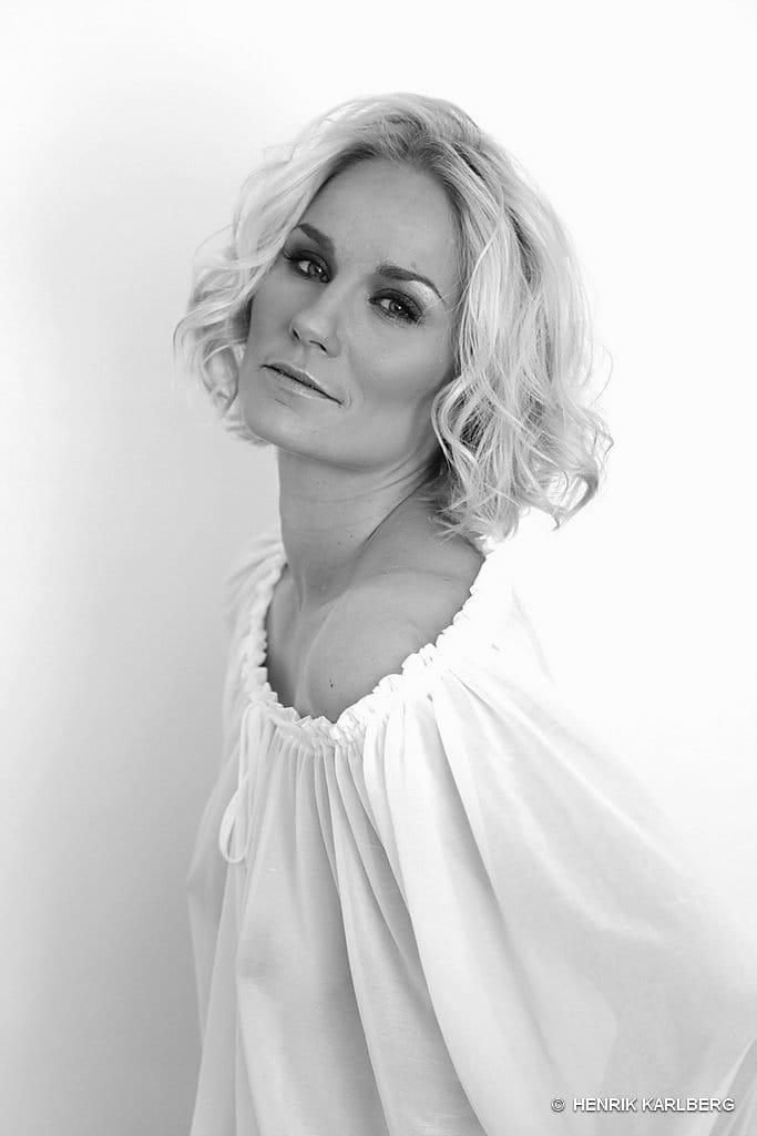 Laura Malmivaara Alastonkuva