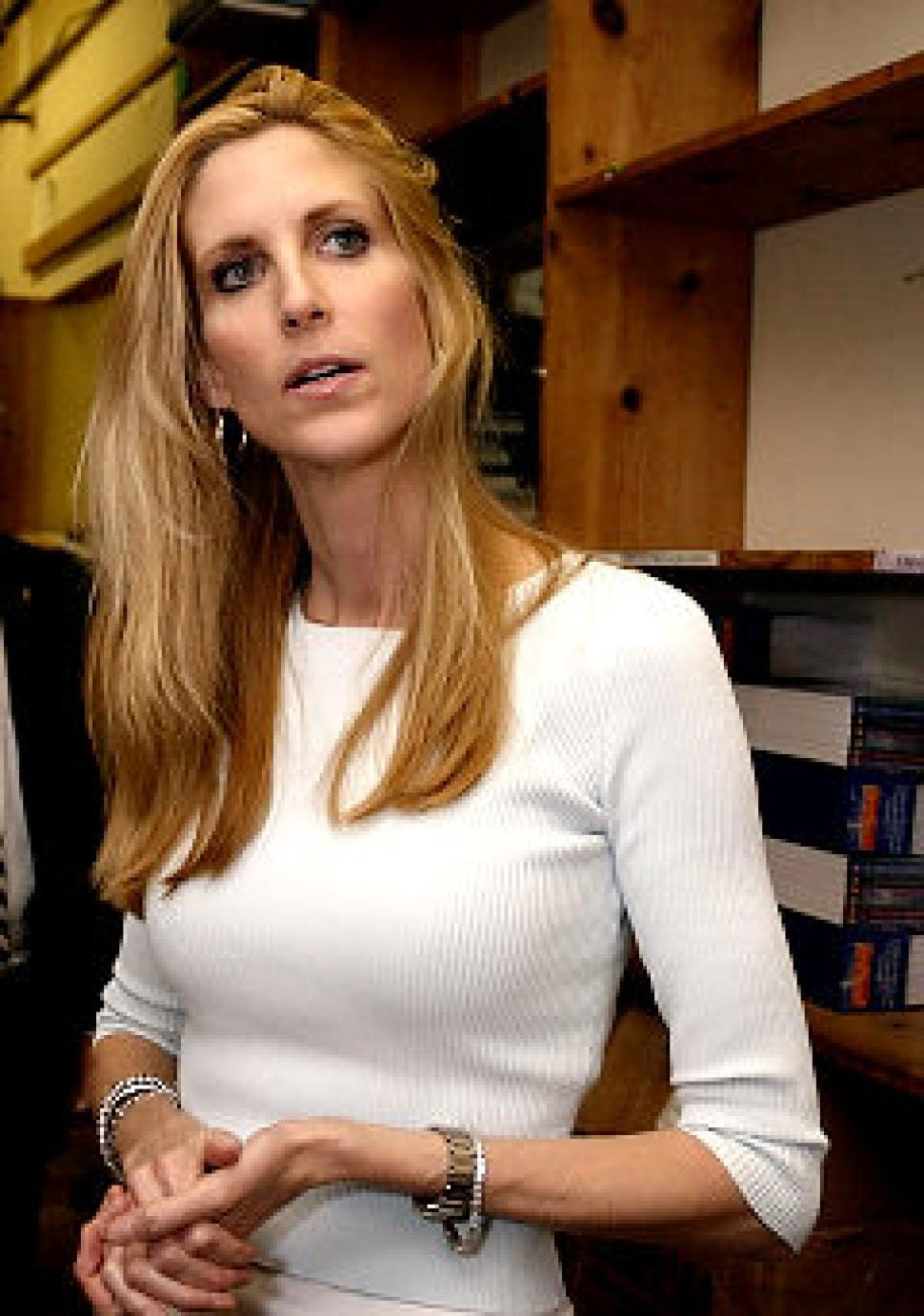 Ann Coulter AnnCoulter) Twitter Fake ann coulter photos