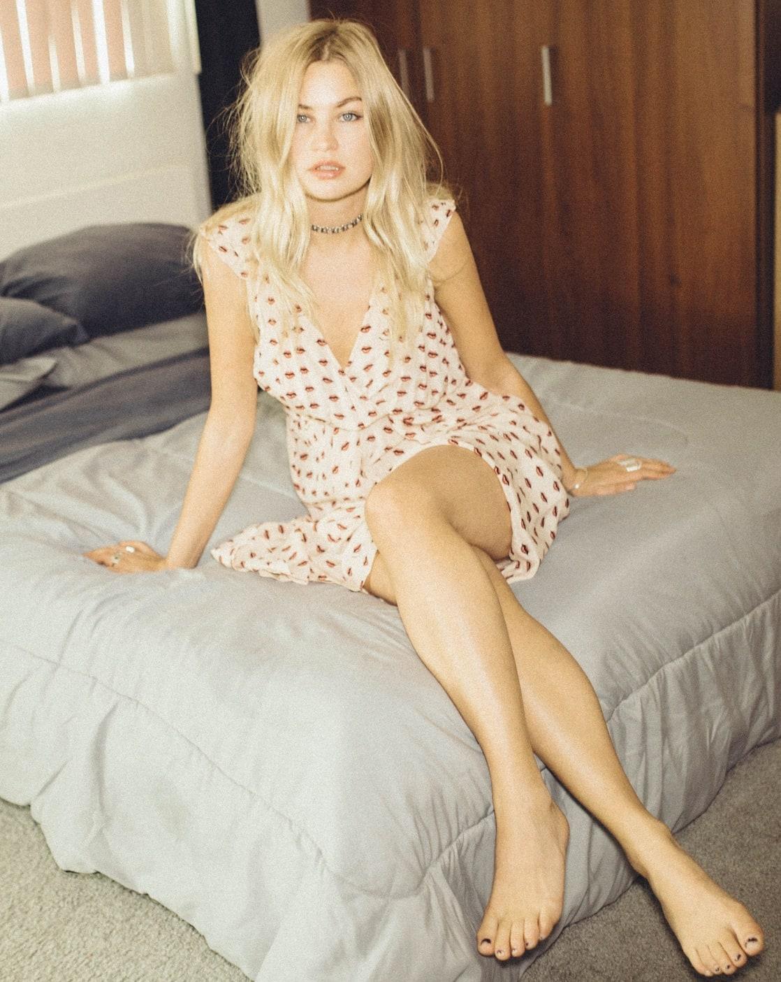 Feet Jennifer Akerman nude photos 2019
