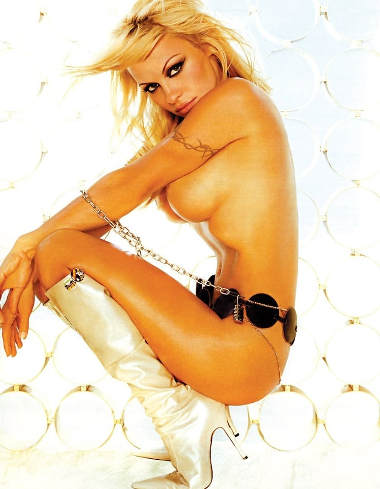 Pics of naked pamela anderson