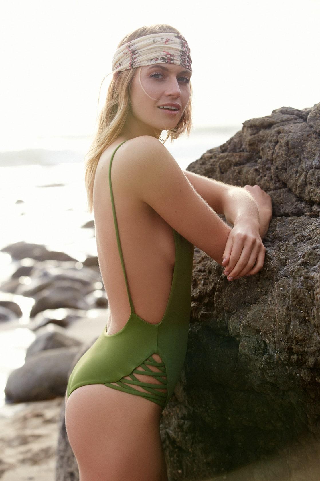 Sexy Annie McGinty nude (18 photos), Ass, Is a cute, Feet, in bikini 2018
