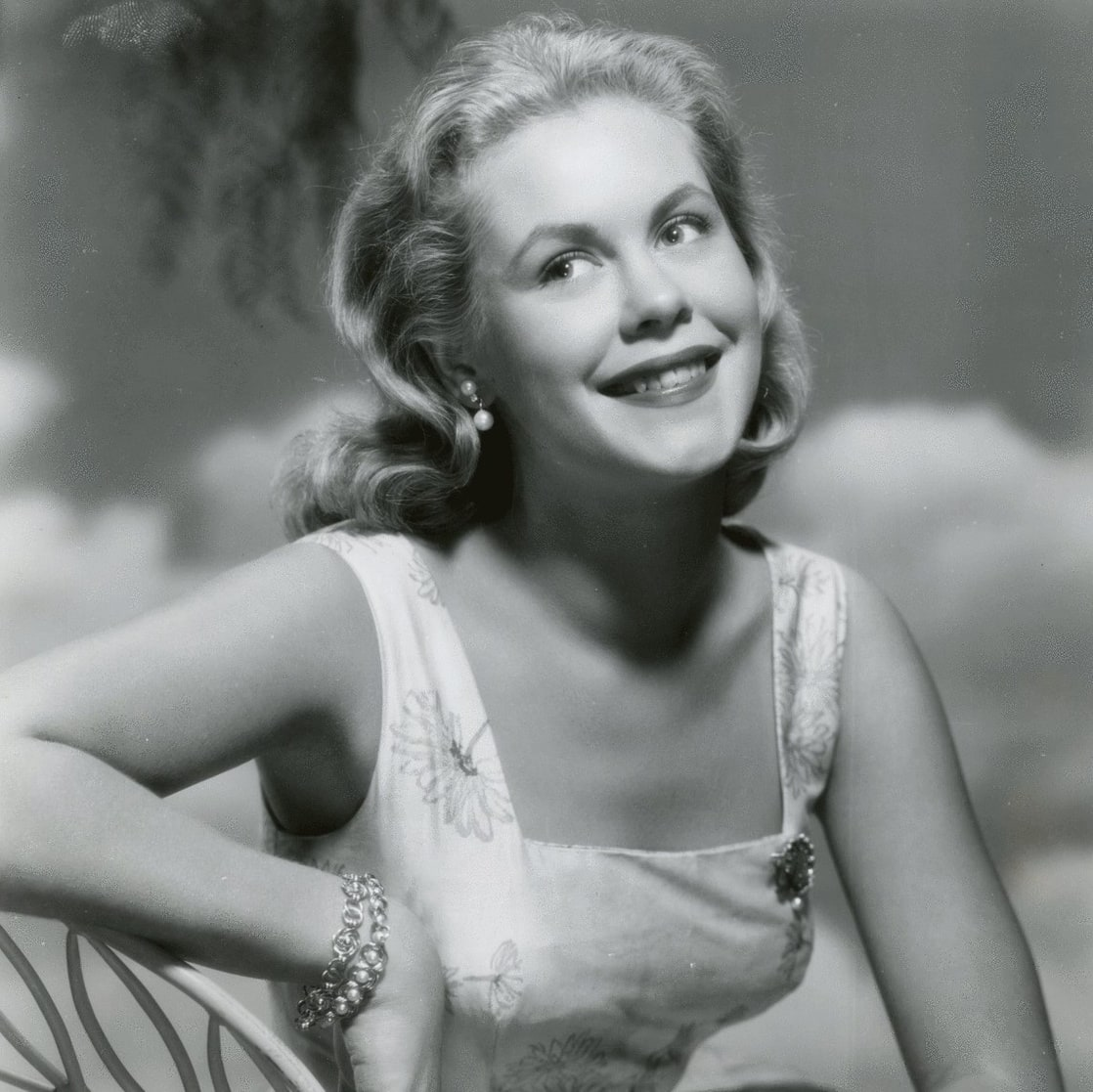 elizabeth montgomery height
