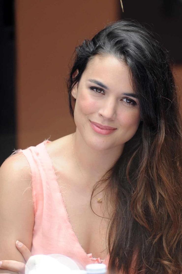 Adriana Ugarte Nude Photos 32