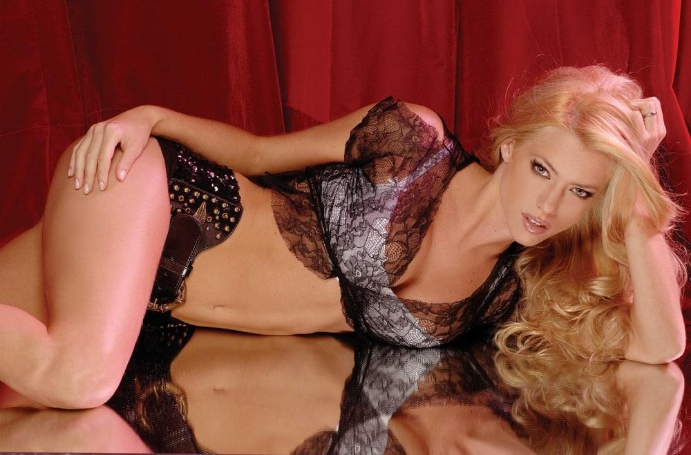 фото сексуалние блондинки