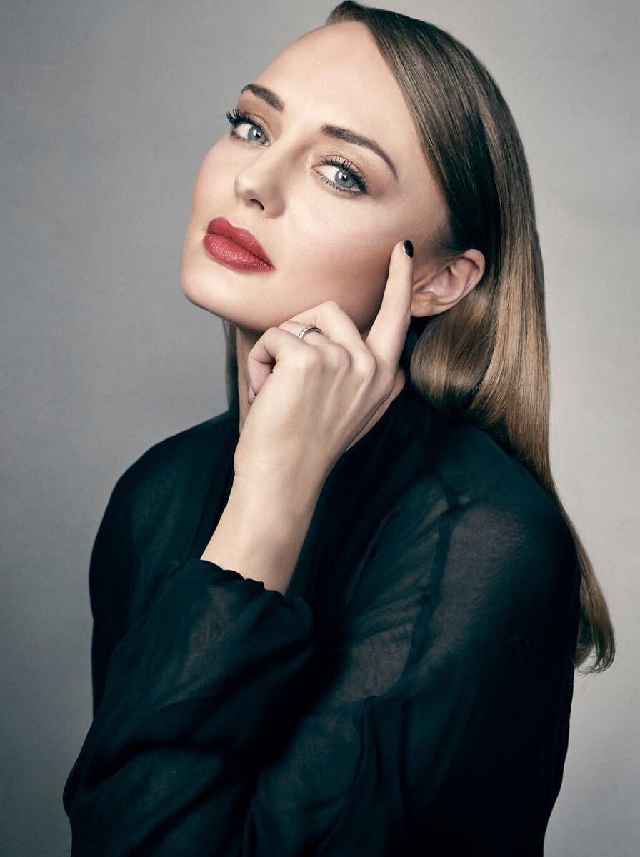 picture of laura haddock